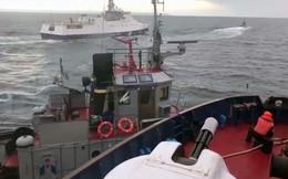 Video: Bộ Nội vụ Ukraine đăng video 'tố' tàu Nga đâm tàu Ukraine