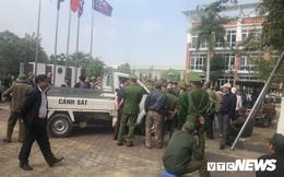 CĐV ngông cuồng quây trụ sở, xông vào phòng lãnh đạo VFF đòi mua vé Việt Nam vs Philippines