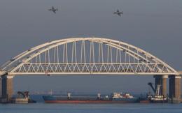 """Trên """"bàn cờ"""" Biển Azov, ông Putin đang """"chiếu tướng"""" hiểm hóc Ukraine?"""