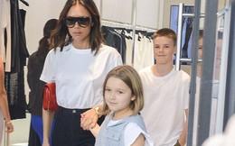 """Cận cảnh vẻ xinh đẹp của Harper Beckham: Mắt nai to tròn trong veo, hàng mi dài cong vút """"đốn tim"""" fan"""