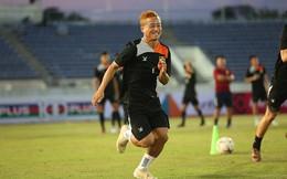 """Mục sở thị """"Messi Lào"""" luyện đòn: Thần tượng Công Vinh từ nhỏ"""