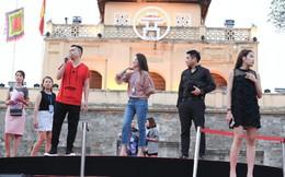 Vợ diễn viên Minh Tiệp trình diễn áo dài tại lễ công bố giải đua xe F1