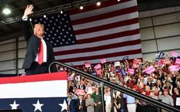"""Chuyên gia VN: Nổi bật so với phe Dân chủ, ông Trump dễ dàng vượt qua """"cuộc bỏ phiếu tín nhiệm"""" giữa kỳ"""