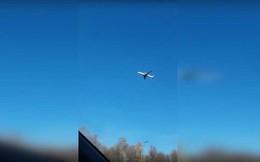 Máy bay chở khách 'bất động' giữa không trung gây tranh cãi