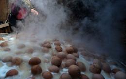 """Thật khó tin: Món trứng luộc nước tiểu nghe hơi đáng sợ này lại là """"di sản văn hóa phi vật thể"""" của Trung Quốc"""