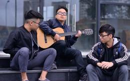 """Chàng trai """"đặc biệt"""" nhất trường Văn hóa nghệ thuật Quân đội sáng tác bài hát cổ vũ ĐT Việt Nam"""