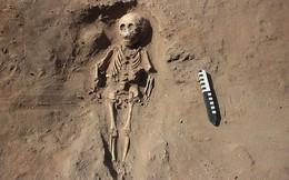 Phát hiện nhiều bộ xương người mất chân và nguyên nhân ẩn sau mộ cổ