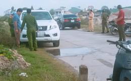 Thượng uý công an tử vong trong xe ô tô đậu bên vệ đê do ngạt khí