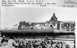 Xem Liên Xô duyệt binh để đánh cắp bí mật quân sự, CIA dính cú lừa ngoạn mục