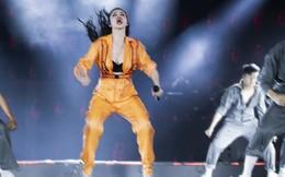 Đông Nhi mặc gợi cảm, nhảy cuồng nhiệt trong liveshow kỉ niệm 10 năm ca hát