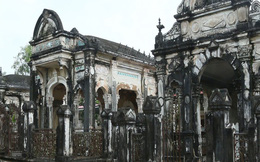 """Bí ẩn ngôi mộ cổ gần 200 năm ở xứ """"9 rồng"""""""