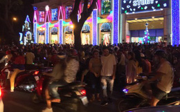 Rộn ràng không khí đón Giáng sinh tại TP Hồ Chí Minh