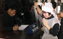 Xuân Bắc, NSND Lan Hương, vợ NSND Anh Tú khóc nức nở trong đám tang