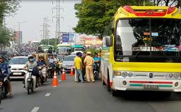 Va chạm với xe khách, vợ thiếu uý công an mang thai hơn 5 tháng nhập viện ở Sài Gòn