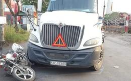 Tài xế xe container ở Sài Gòn say xỉn tông xe đặc chủng CSGT