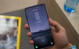 Galaxy S10+ sẽ có camera selfie kép, vì vậy một lỗ trên màn hình là không đủ