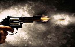 Bảo vệ dùng súng bắn người đàn ông trọng thương
