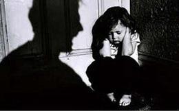 Bắt khẩn cấp người bố xâm hại con gái ruột 15 tuổi