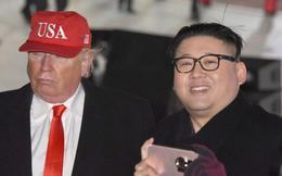 """""""Donald Trump và Kim Jong Un"""" bất ngờ khuấy động lễ khai mạc Olympic"""