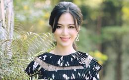 Vẻ đẹp mặn mà ở tuổi 42 của hoa hậu sở hữu vòng eo nhỏ nhất lúc đăng quang