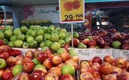 Cận Tết, táo nhập khẩu chưa đến 30.000 đồng một kg ngập tràn các siêu thị