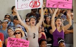 Người dân Mỹ phẫn nộ biểu tình sau vụ xả súng trường học ở Florida