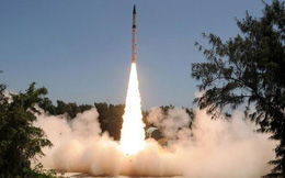 Sức mạnh khủng khiếp của tên lửa tầm bắn 2.000 km Agni-2 Ấn Độ
