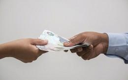 Vợ ly dị vì chồng đòi trả hơn 100 USD tiền xe mỗi lần chở vợ