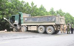 Người đàn ông tử vong dưới gầm xe tải sau vụ tai nạn kinh hoàng