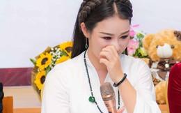 Hoa Trần - người vợ kém 18 tuổi của Việt Hoàn: Không bao giờ tôi có ý định bỏ chồng