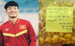 Clip: Các cầu thủ U23 Việt Nam chia bánh cho nhau ăn ngay trên sân khấu sân Thống Nhất