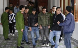 Cảnh sát ập vào sới bạc, 19 con bạc bỏ chạy tán loạn