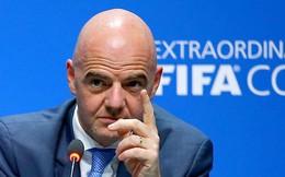 Chủ tịch FIFA sang Việt Nam đúng ngày ông Táo
