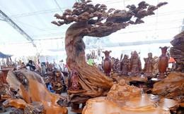 Choáng bộ bàn ghế gỗ lũa 8 món hoành tráng tỏa hương thơm giá 690 triệu đồng