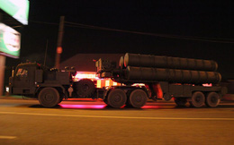 Quốc gia X mua 2 tổ hợp tên lửa S-400: Bán bao nhiêu gạo, bao nhiêu dầu?