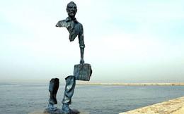 16 công trình điêu khắc ảo diệu khiến bạn tưởng lực hấp dẫn không còn tồn tại