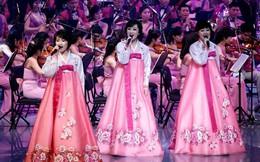 """Cận cảnh buổi biểu diễn """"cháy vé"""" của đoàn nghệ thuật Triều Tiên"""