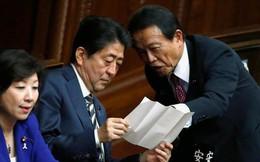 """Bê bối đất công trở lại """"ám"""" Thủ tướng Nhật"""