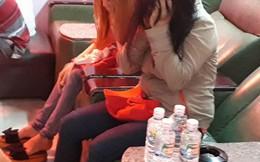 Bắt quả tang 2 tiếp viên kích dục cho khách trong tiệm massage ở Sài Gòn