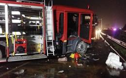 """Tâm sự của lính cứu hỏa về tai nạn cao tốc Pháp Vân - Cầu Giẽ: """"Nếu chừa cho xe ưu tiên 1 lối"""""""