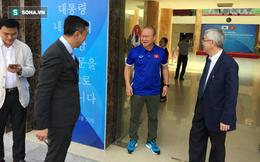 HLV Park Hang-seo rạng rỡ trong ngày nhận món quà cực lớn từ Hàn Quốc
