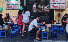 """Cái thời trà sữa chưa """"hot"""" thì giới trẻ Hà Nội thường hay tụ tập ăn uống ở đâu?"""