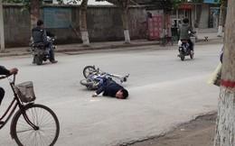 Người đi xe đạp điện ngã tử vong, đơn vị quản lý bảo dưỡng đường phải đền hơn nửa tỉ đồng
