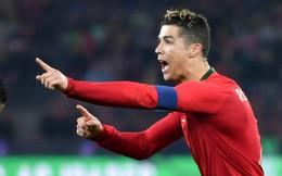 """Ronaldo lập cú đúp phút bù giờ giúp Bồ Đào Nha thoát cảnh """"mất mặt"""" trên sân nhà"""