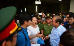 Phó thủ tướng làm việc tại Chung cư Carina, tiếp xúc với các nạn nhân vụ cháy