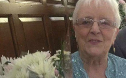Chia sẻ ảnh lên Facebook, bà lão bất ngờ nhận được tin nhắn từ triệu phú máu mặt