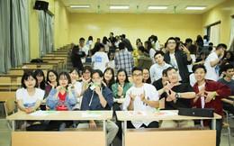 Cơ hội được thể hiện khả năng tiếng Anh và dẫn tour khách Tây cho sinh viên Hà Nội