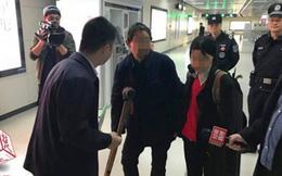 'Ăn mày chuyên nghiệp' tại các bến tàu điện ngầm Trung Quốc kiếm hơn một triệu mỗi ngày