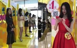 """Trung Quốc ra mắt dịch vụ """"bạn gái chia sẻ"""", giúp F.A bớt cô đơn khi mua sắm"""