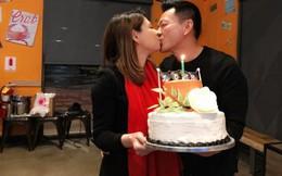 Thanh Thảo hạnh phúc 'khoá môi' bạn trai Việt kiều trong tiệc sinh nhật sớm